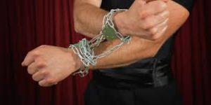 harry houdini breaks chains